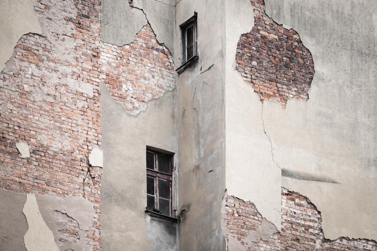 ostecena-fasada-potres